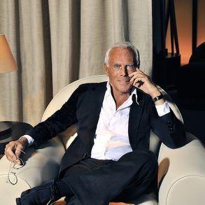 Giorgio Armani One Of The Famous Italian Fashion Designers Read All The Articles About Giorgioarmani Italian Fashion Brands Italian Fashion Giorgio Armani
