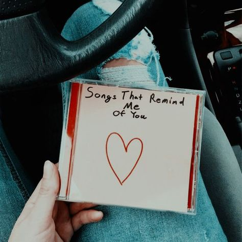 Super Music Gifts For Girls Life Ideas Cute Boyfriend Gifts, Bf Gifts, Couple Gifts, Gifts For Girls, Couple Presents, Boyfriend Anniversary Gifts, Presents For Boys, Cute Relationship Goals, Cute Relationships