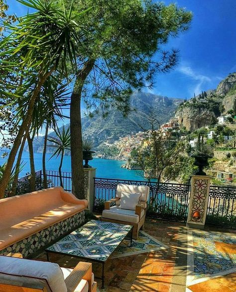 Amalfi Coast Tours in south of Italy by locals. Discover the Amalfi Coast with us by visiting places like Amalfi, Ravello, Capri, Positano. Beautiful Places To Visit, Beautiful World, Beautiful Hotels, Dream Vacations, Vacation Spots, Amalfi Coast Hotels, Hotel Amalfi, The Places Youll Go, Places To Go