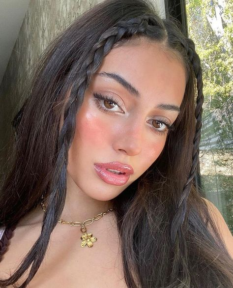 Baddie Hairstyles, Pretty Hairstyles, Straight Hairstyles, Girl Hairstyles, Braided Hairstyles, Hair Inspo, Hair Inspiration, Aesthetic Hair, Aesthetic Makeup