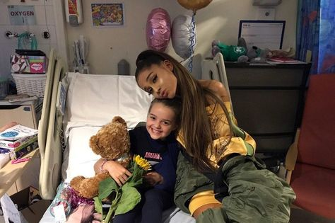 Ariana Grande maintient son concert à Manchester | Jacques KLOPP ...