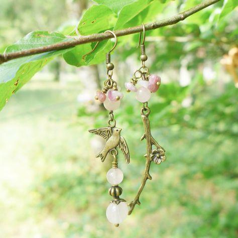 Boucles d'oreilles asymétriques quartz rose et tourmaline : Boucles d'oreille par verveine-citron