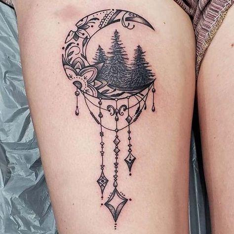 23 ruckseite der oberschenkel tatowierung ideen fur frauen
