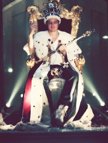 """""""In a world of locked rooms, the man with the key is King. And honey, you should see me in a crown."""" M"""