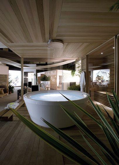 Zen Cube Bathtube Von Exteta Aussenduschen Modernes