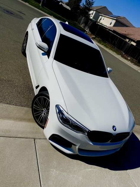 Love at first sight My Dream Car, Dream Cars, Bmw White, Bmw Motors, Bmw Girl, Lux Cars, Bmw Wagon, Top Luxury Cars, Foto Casual