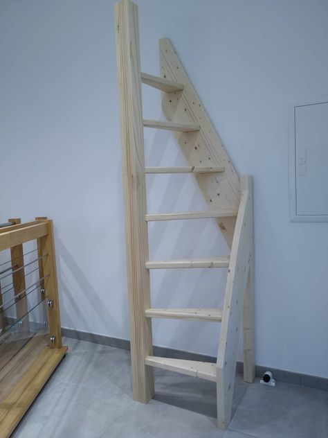 Tiny House Stairs, Loft Stairs, Mezzanine Bedroom, Loft Room, Attic Rooms, Attic Spaces, Open Spaces, Home Stairs Design, A Frame House