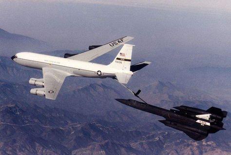 SR-71 Blackbird: Aerial Refueling