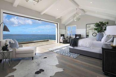 Stunning Coastal And Ocean Bedroom Design Ideas 17 Beach House Interior California Beach House Beach House Decor
