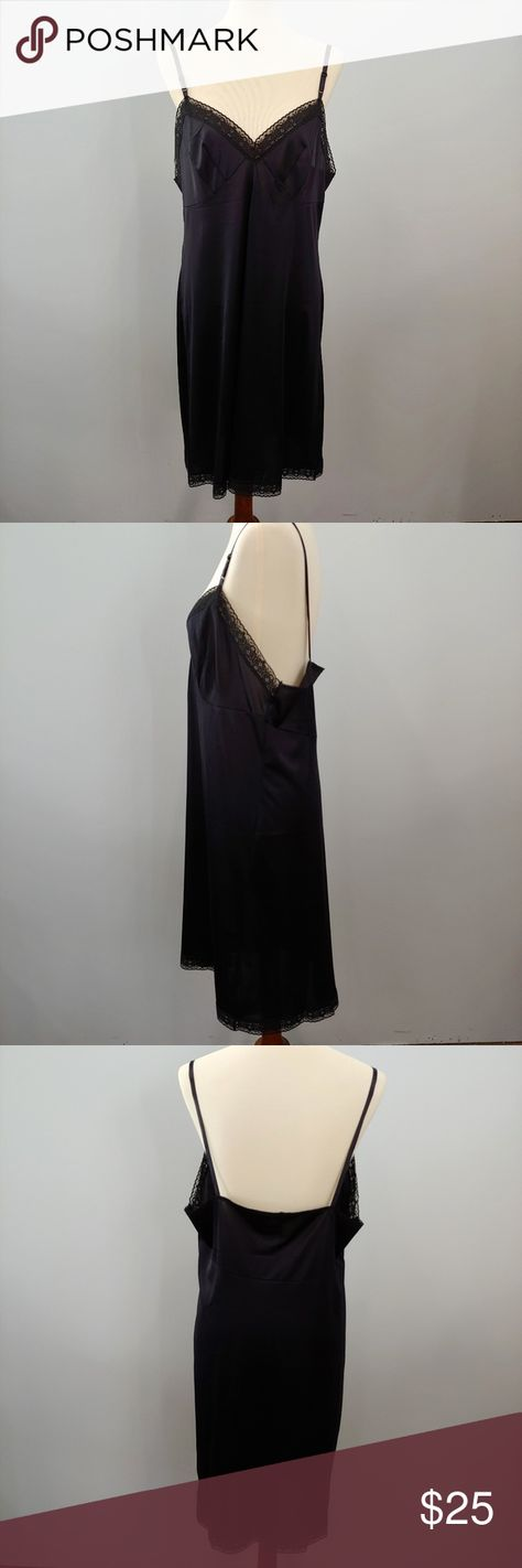 PLUS SIZE VASSARETTE Black Full Slip Size 40 This is a size 40 black full slip from vassarette in nylon. Excellent condition with pretty lace detailing. Length from pit is 28