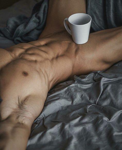 Trinken nackt kaffee Kauf mir