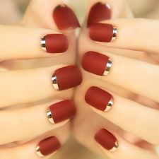 24Pcs Popular Short False Nails Bordeaux Metal Frosted Turnover French Style