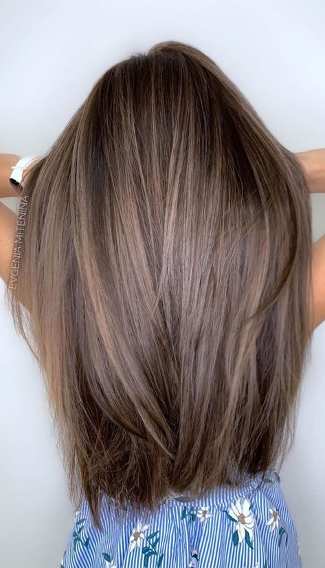 Blonde Hair With Highlights, Brown Blonde Hair, Hair Color Balayage, Black Hair, Hair Color Brunette, Medium Ash Brown Hair, Light Brown Ombre Hair, Light Brunette Hair, Brown Hair With Lowlights