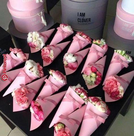 De todo???? para regalos????   Arreglos   Pinterest   Flowers, Rose flower arrangements and How to wrap flowers