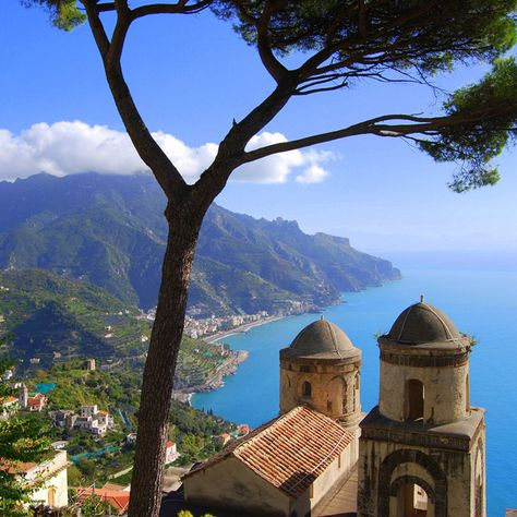 View from the Villa Rufolo in Ravello on the beautiful Amalfi Coast. #italy #travel