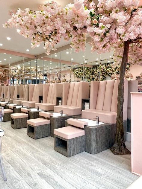 Home Nail Salon, Nail Salon Design, Hair Salon Interior, Pink Nail Salon, Luxury Nail Salon, Luxury Hair, Beauty Bar Salon, Beauty Salon Design, Salon And Spa