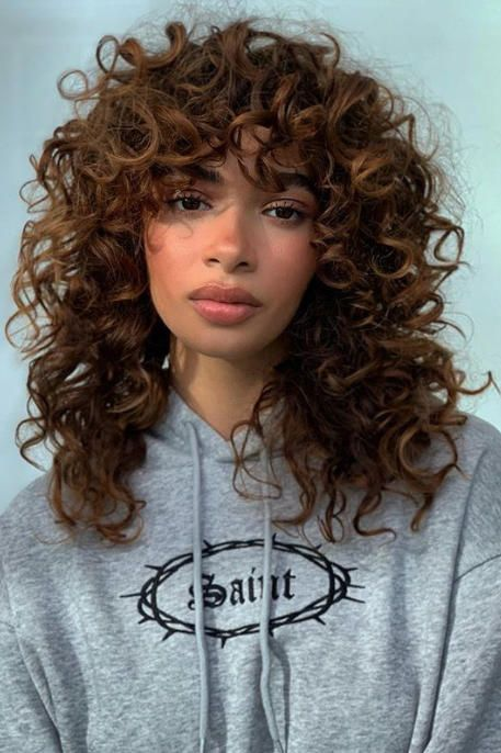 9 Super Flattering Haircuts If You Have An Oval Face Curly Hair Styles Curly Shag Haircut Oval Face Hairstyles