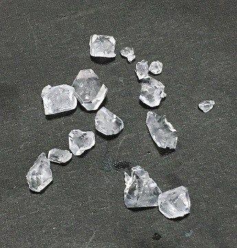 ミョウバン の 結晶