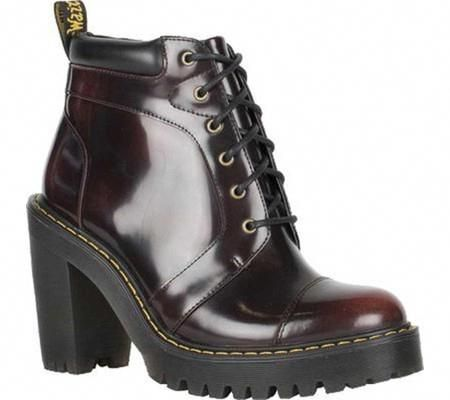 Dr. Martens Women's Averil 6 Eye Ankle Boot, Size: 4 UK