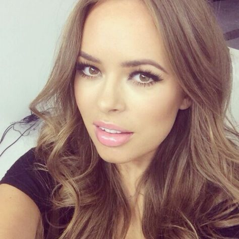 Tanya Burr---one of my absolute fave beauty gurus since I first discovered her in 2012 on Youtube. Now she's a celebrity in her own right with a makeup line & book!