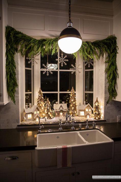 Merry Little Christmas, Christmas Love, Country Christmas, Winter Christmas, Christmas Window Display Home, Christmas Carol, Kitchen Window Decor, Cozy Kitchen, Christmas Kitchen