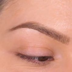Step by step tutorial using our Street Style Brow Blade! Learn how to do your brows stroke by stroke to create a multi-demensional brow.
