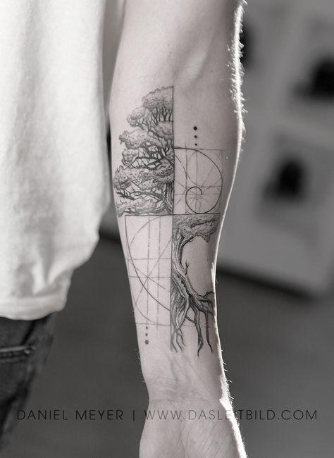 Like Fibonacci spiral intertwined tree. Math / nature for Jonathan. E book Los Angeles Article Physi Fibonacci Tattoo, Tatouage Fibonacci, Fractal Tattoo, Tattoo Abstract, Watercolor Tattoos, Forearm Tattoos, Body Art Tattoos, Small Tattoos, Tattoos For Guys