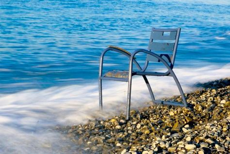 Epingle Par Jean G Cauvin Val Sur I Love Nice France Chaise Bleu Nice Photographie Chaise