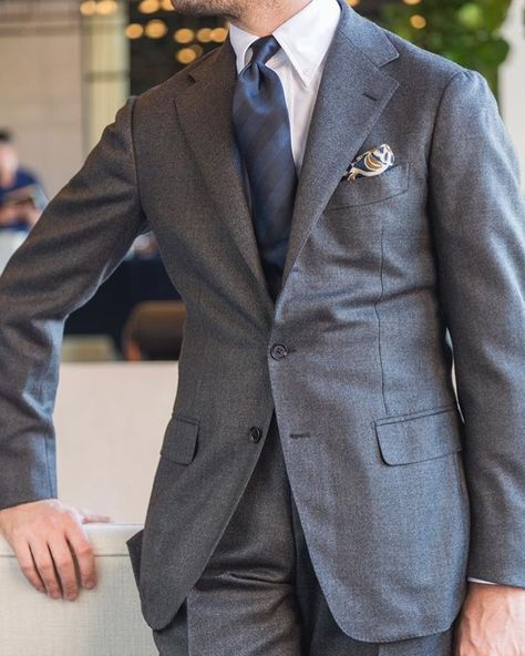 Pin by Clemens Traugott on Suits & Garments | Men suits blue