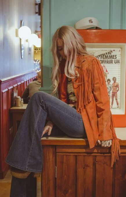 50 Autumn Fashion Trending This Summer – Mode für Frauen 70s Outfits, Vintage Outfits, 70s Vintage Fashion, Seventies Fashion, Retro Fashion Modern, Seventies Outfits, Vintage Clothes 70s, Vintage Clothing Styles, 60s And 70s Fashion