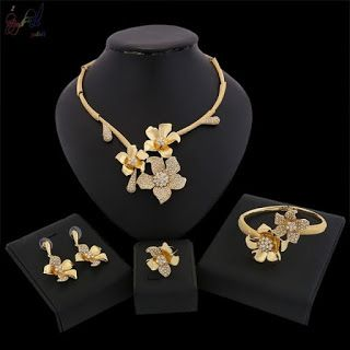 Jewellery Trends 2020 In 2020 Modern Gold Jewelry Gold Jewelry Fashion Gold Jewelry Sets