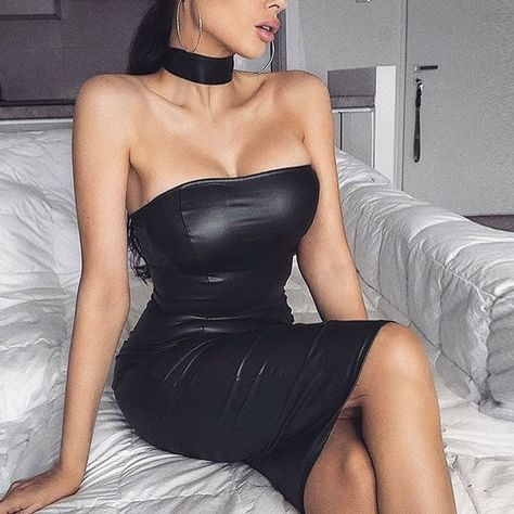 2019 Autumn new women's PU leather dress sexy back zipper backless word shoulder wrapped chest dress club party black PU dress