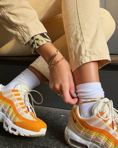 Trendy Sneakers 2017 2018 : shoes rihanna puma creepers