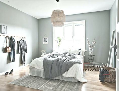 Bed In Front Of Window Advantages And Disadvantages At A Glance