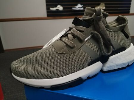 New BRAND NEW IN BOX MEN'S ADIDAS RUNNING SHOES POD S3.1