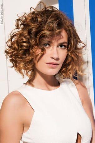 Le Carre Boucle De Fabio Salsa Carre Plongeant Cheveux Boucles Coupe De Cheveux Cheveux