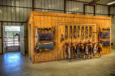 Decide what items need to be stored inside a tack room, and what can be hung on the walls. Things that need to be aired-out may be better kept in the barn aisle.
