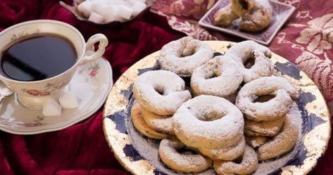 حلويات العيد يا حلوة انتي وهية بسرعة اعملوا الكحك نشاركها معكم عبر موقعنا أحلي صورة واجمل حلويات العيد كم هي جميلة و طعمها بيكون حلو Eid Sweets Food Desserts