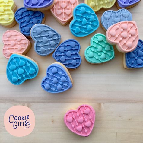 Celebrating Friendship Day with these pastel fondant stamped heart cookies . . . #friendshipday #friendsforever #friendshipcookies #sugarcookies #cookie #cookiegifts #handmade #homemade #homebaker #royalicing #icingcookies #personalisedgifts #baking #bespoke #pastels #custommadecookies #bespokecookies #funcookies  #homebakedcookies #cookiegiftset #cookiefavors #customcookies #individuallydecorated #bespokecookies #customcookies #customgifts #happybaker #fondant #fondantcookies #hearts #edibleart