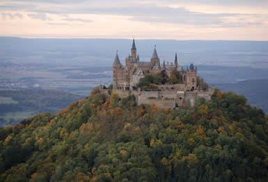 Vintage Die besten Carisbrooke castle Ideen auf Pinterest Burgen und Schl sser englische Schl sser und schottische Burg