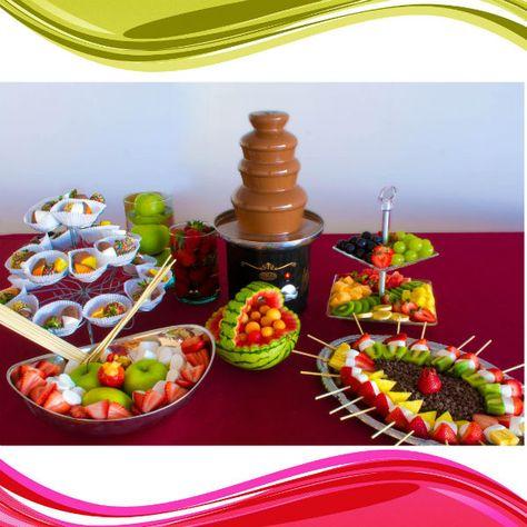 Alquiler de Fuentes de chocolate y decoración de mesa con pinchos y bocados de fruta