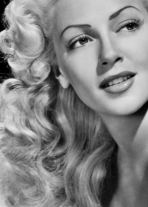 La exuberante actriz Lana Turner