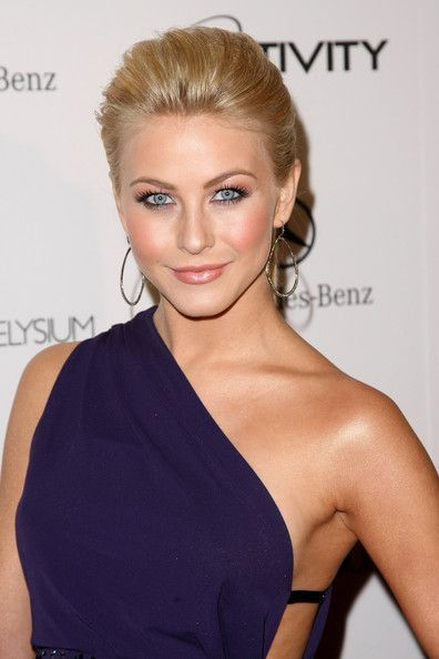 Julianne Hough Hairstyle Swept Back Hair In 2019