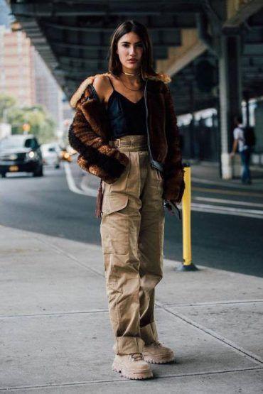 11 Pantalones Cargo De Mujer Para Este 2020 Nomad Bubbles Pantalones Cargo Mujer Pantalones Cargo Pantalones Con Bolsillos