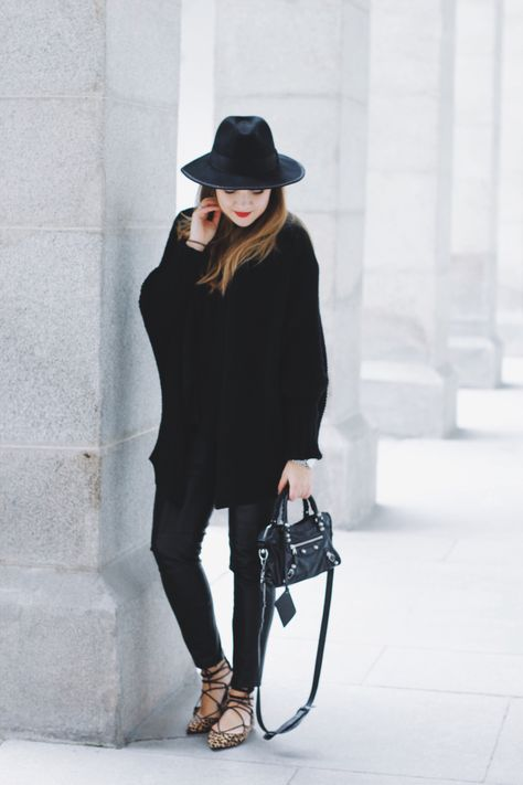 Balenciaga Flats Karl Lagerfeld X Leo Bag thrQsdCBx