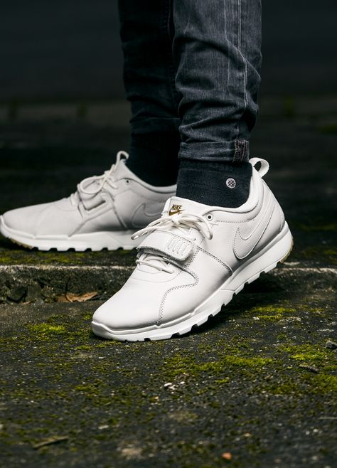 confiar Si Consejos  Nike SB Trainerendor Premium 'White / Gum' | Skate wear, Best nike ...