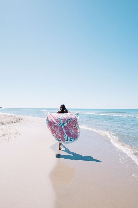 The Bahia Round Beach Towels Roundies Summer Time Sea Sun Beach Lovers Beach Accessories Couleur Nouvelle Collection Collection