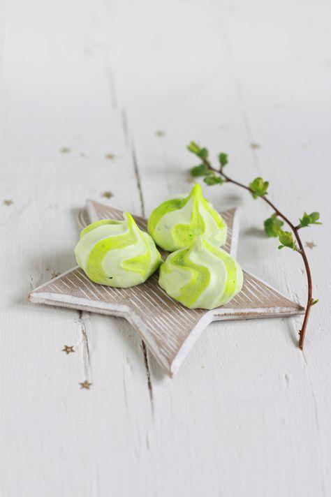 Petites meringues colorées  © fraise-basilic
