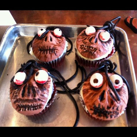 Shrunken head cupcake making with @couturehippie for Beetlejuice bike-in theatre night. #bikein by Daily Marauder, via Flickr