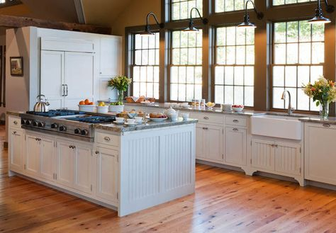 Kitchen Island With Beadboard Trim Country Kitchen Crown